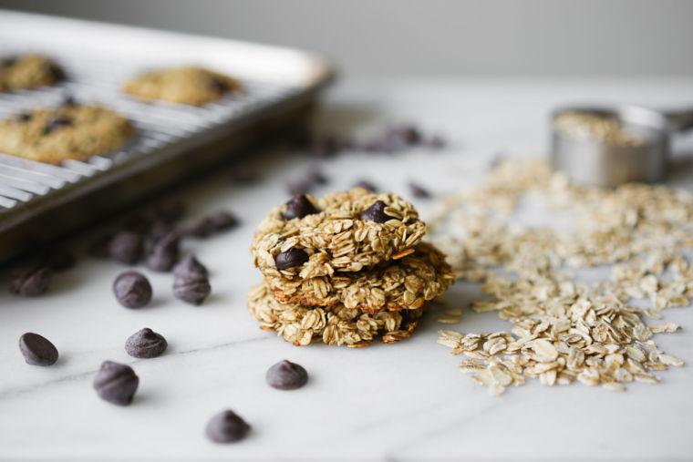 3-Ingredient Banana Oatmeal Cookies (Vegan & Gluten-Free)