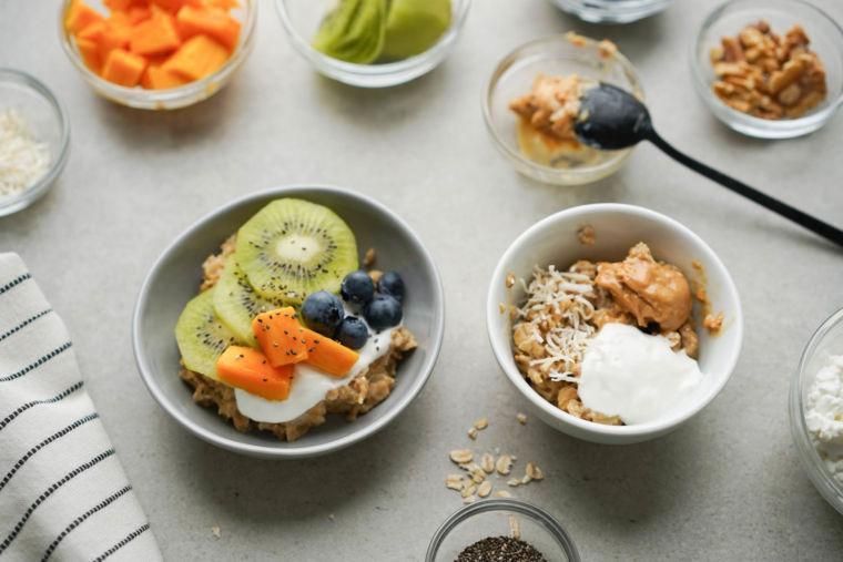 How to Make Oatmeal Taste Good (14 Easy Ideas)