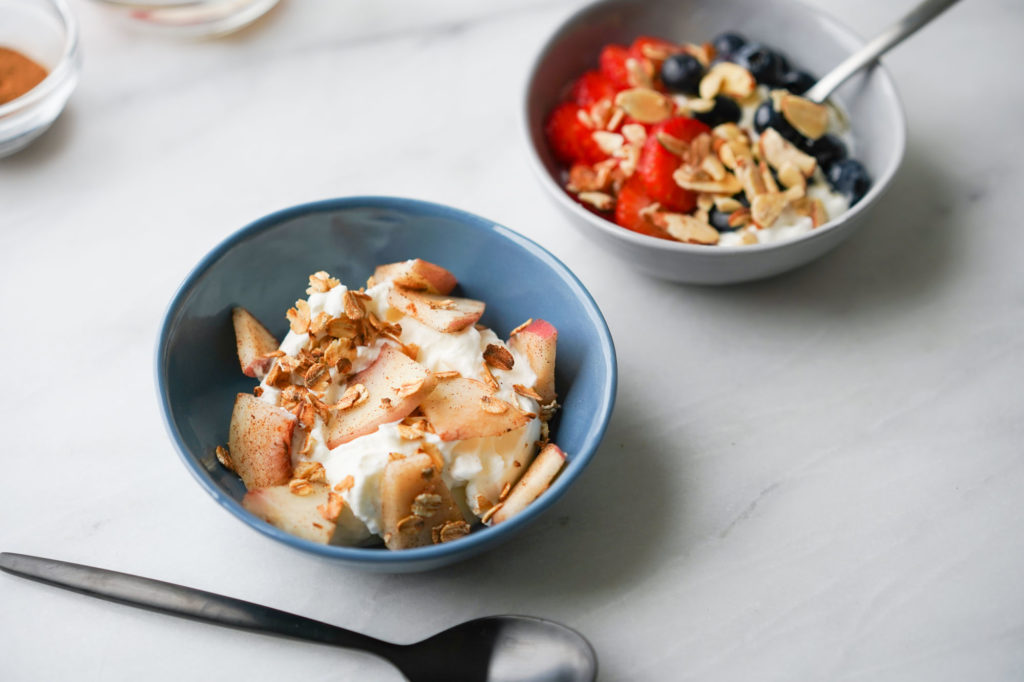 Peach Cobbler greek yogurt: sliced peaches, toasted oats, and cinnamon