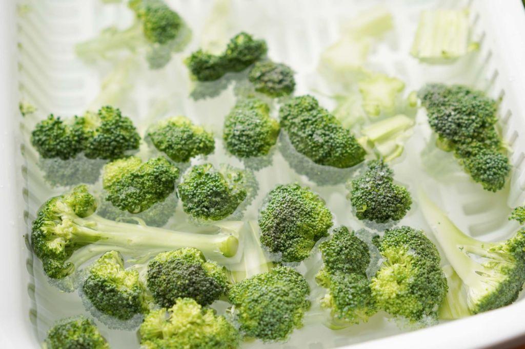 soaking broccoli in water