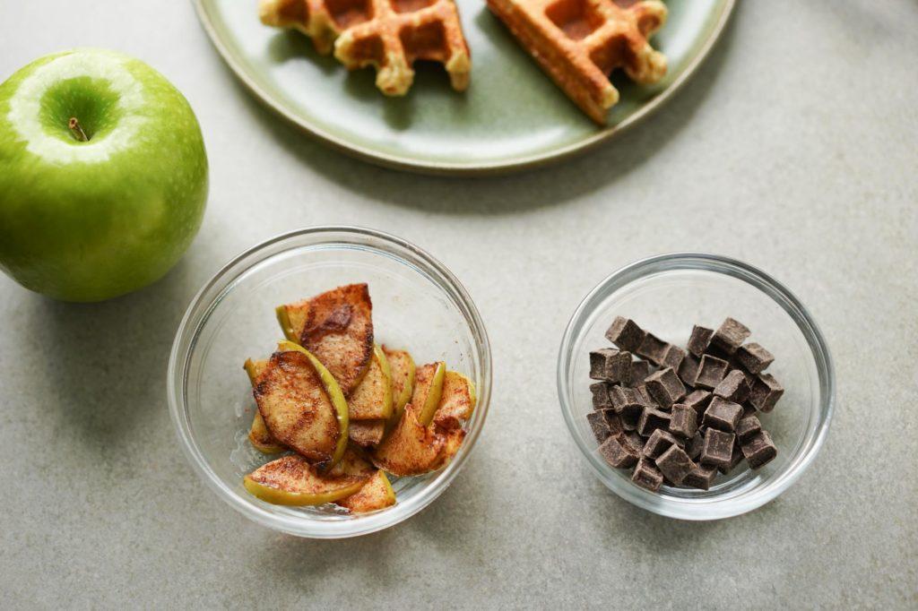cinnamon apples and chocolate chunks