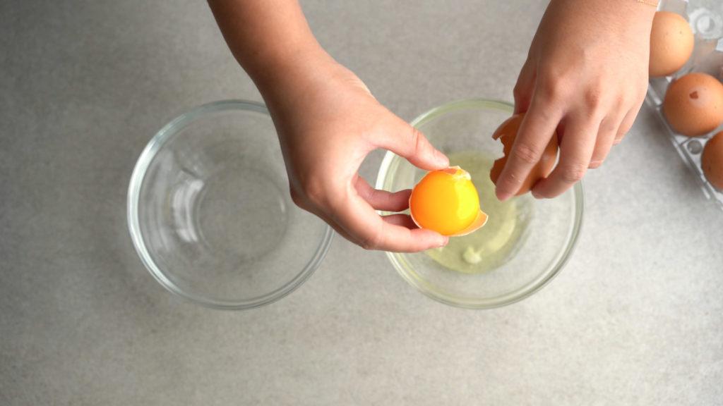 separating egg yolks using egg shells
