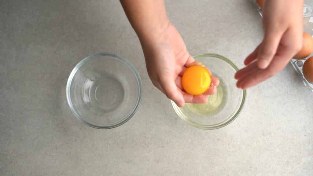 separating egg yolk by hand