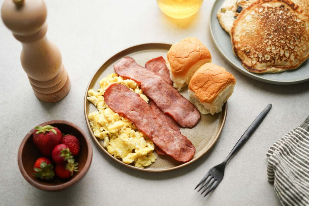 turkey bacon with eggs and rolls